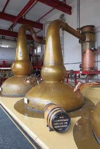 Alambic et condenseur de type « shell and tube » de la distillerie GlenDronach.